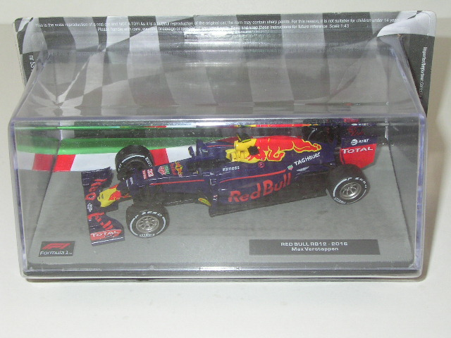 Red Bull RB12 - 2016/ Max Verstappen
